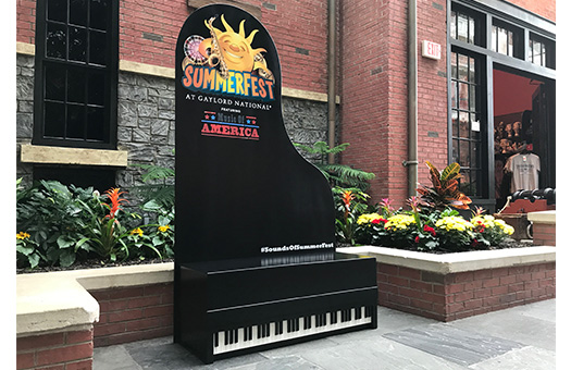 bench piano photo op summerfest gaylord national harbor poplet large