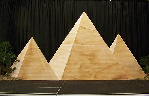 Pyramids of Giza Stage set. Set of Triangle stage sets