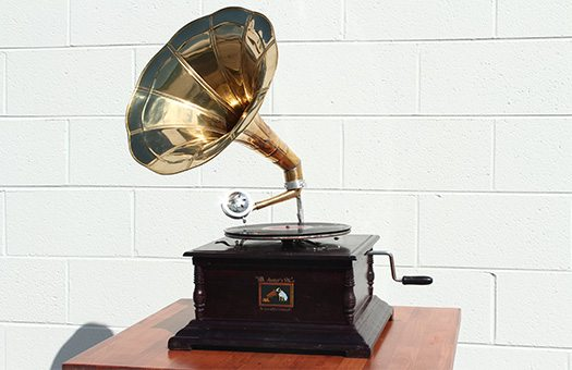 prop 1920s reproduction gramophone IMG 9675 large
