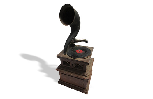 statues and props radio antique radio gramaphone small large